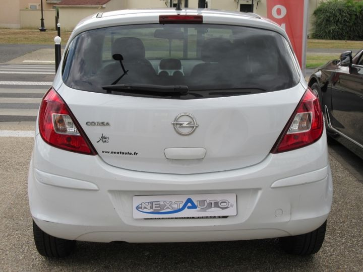 Opel Corsa 1.4 TWINPORT COSMO  5P Blanc Occasion - 8