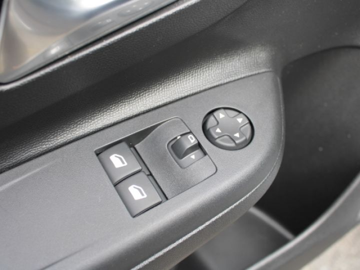Opel Corsa 1.5 DIESEL 100 CH BVM6 Elegance Gris - 12