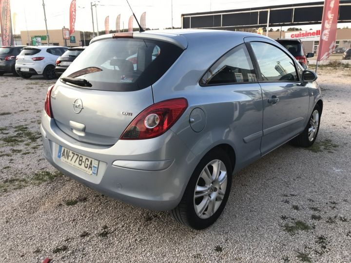 Opel Corsa COSMO PACK METAL Occasion - 3