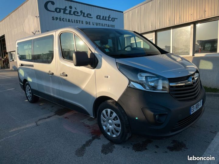 Opel Vivaro biturbo l2h1 9 places 2017  - 1