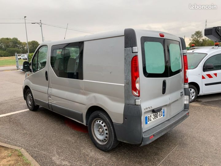 Opel Vivaro l1h1 6 places  - 2