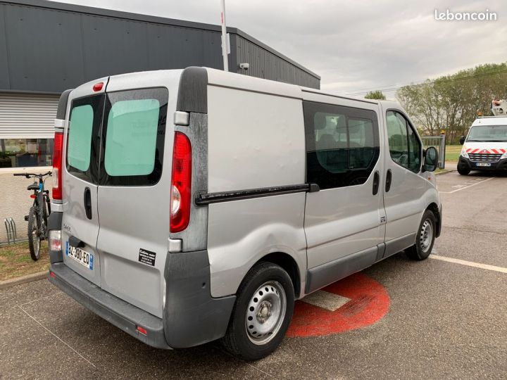 Opel Vivaro l1h1 6 places  - 3