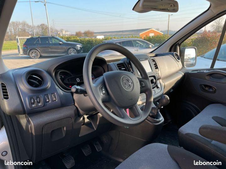 Opel Vivaro l2h1 9places 86.000km  - 4
