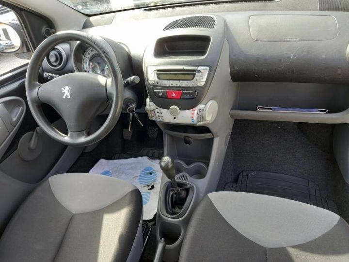 Peugeot 107 (2) 1.0 60 URBAN  - 3