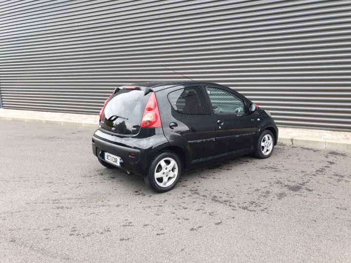 Peugeot 107 ii 2 1.0 68 sportium 5 portes 5p Noir Occasion - 12
