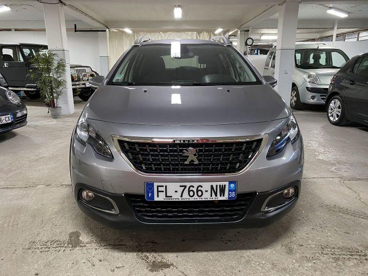 Peugeot 2008 1.2 PURETECH 110CH E6.C SIGNATURE S&S Gris C - 2