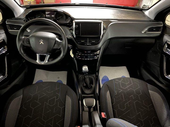 Peugeot 2008 1.2 PURETECH 110CH E6.C SIGNATURE S&S Gris C - 8