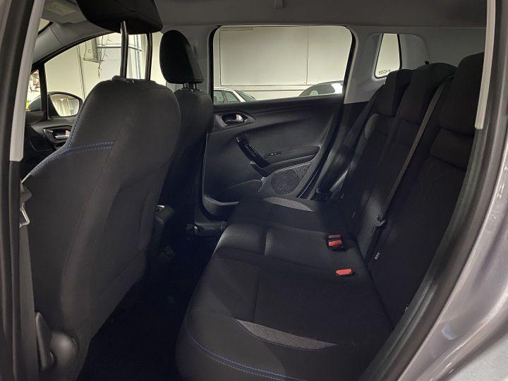 Peugeot 2008 1.2 PURETECH 110CH E6.C SIGNATURE S&S Gris C - 10