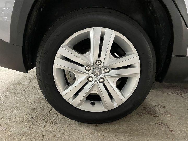 Peugeot 2008 1.2 PURETECH 110CH E6.C SIGNATURE S&S Gris C - 11