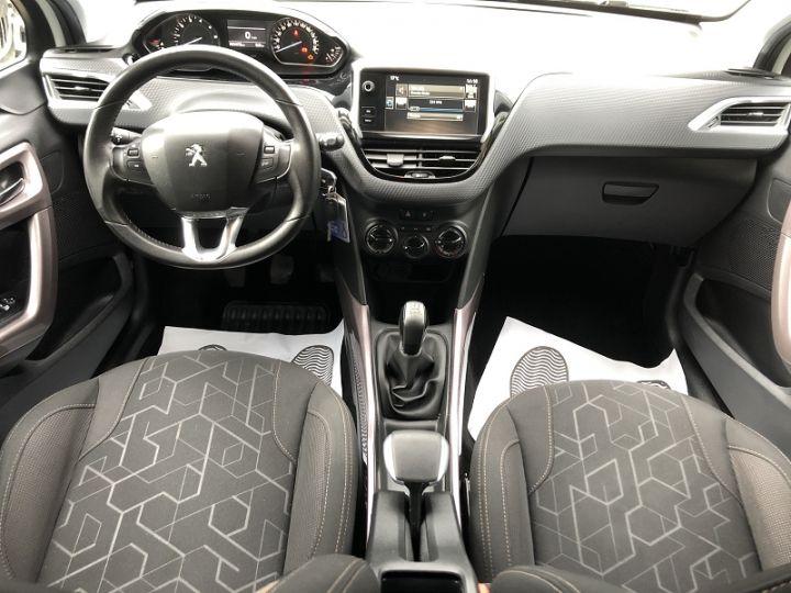 Peugeot 2008 1.2 PURETECH ACTIVE Blanc - 11