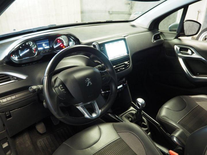 Peugeot 2008 1.2 Puretech ALLURE 130 BVM6 gris  - 12