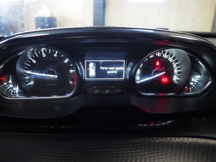 Peugeot 2008 1.2 Puretech ALLURE 130 BVM6 gris  - 18
