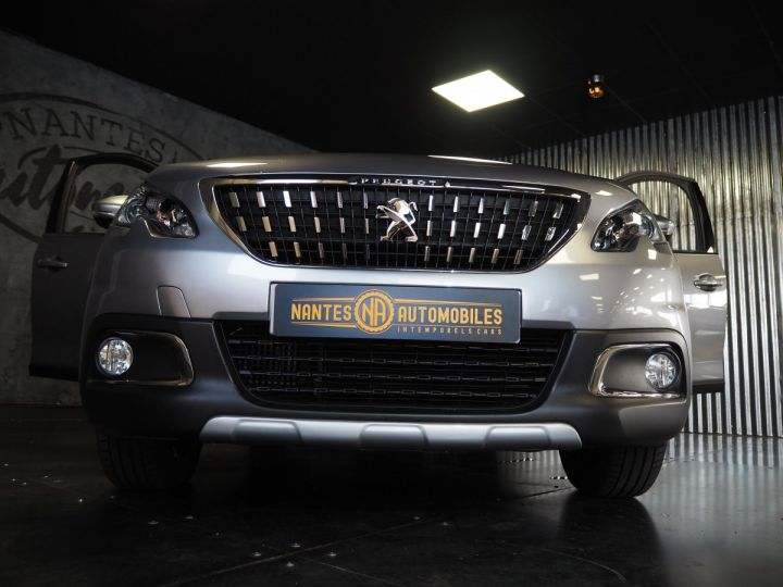 Peugeot 2008 1.2 PURETECH  ALLURE 130 E6 Gris ARTENSE - 8