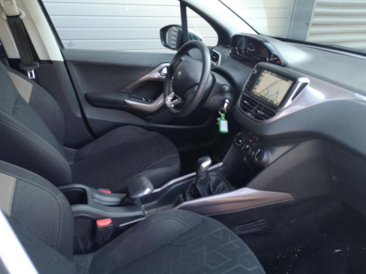 Peugeot 2008 1.2 VTI 82 STYLE ii Gris Occasion - 15