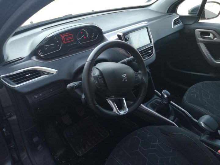 Peugeot 2008 1.2 VTI 82 STYLE o Gris Occasion - 4