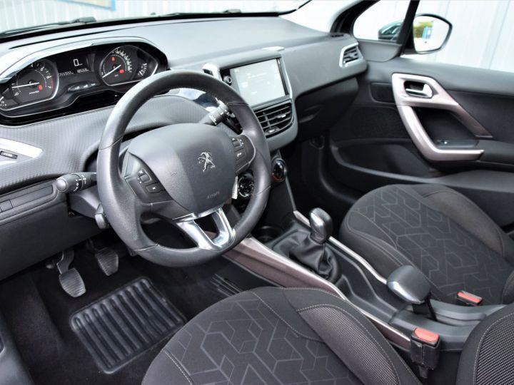 Peugeot 2008 1.2 VTi 82cv STYLE GRIS - 5