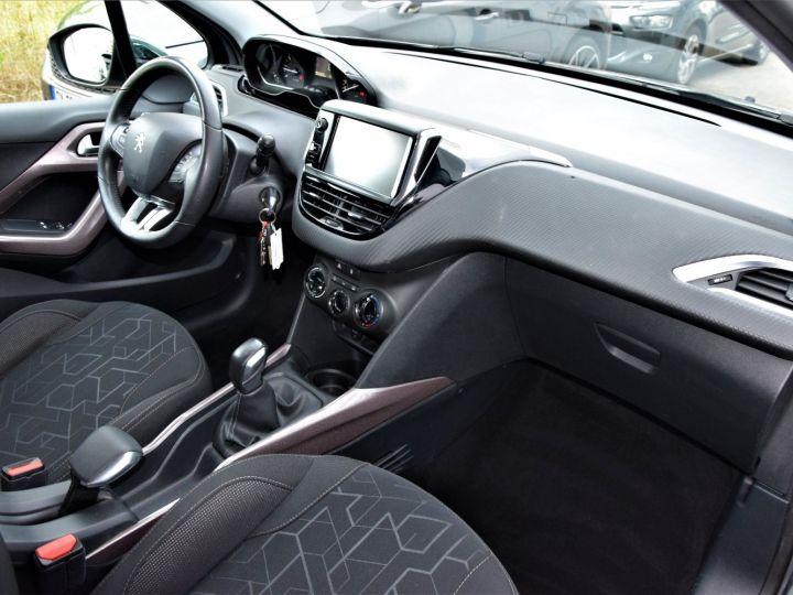 Peugeot 2008 1.2 VTi 82cv STYLE GRIS - 8