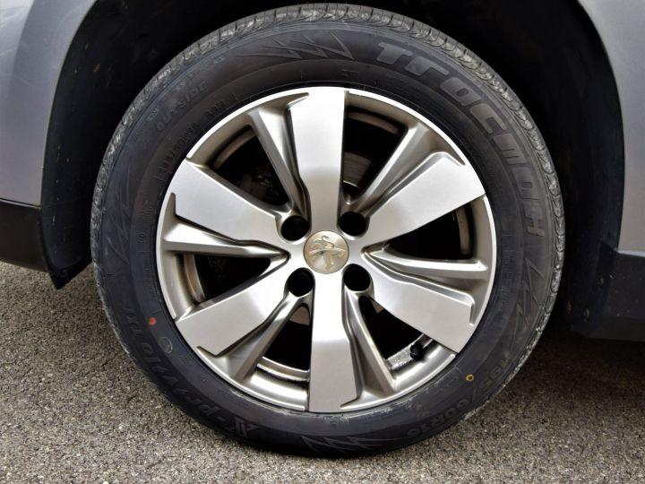 Peugeot 2008 1.2 VTi 82cv STYLE GRIS - 9