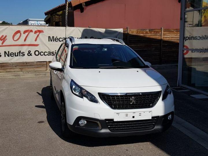Peugeot 2008 Puretech 82 ACTIVE Blanc - 4