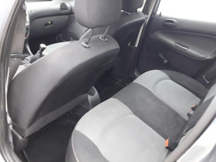 Peugeot 206 1.4 HDI PACK CLIM  - 5