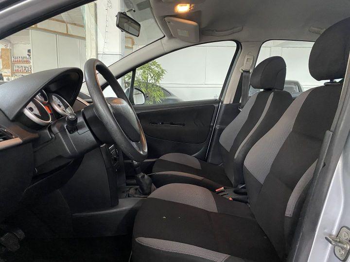 Peugeot 207 1.4 HDI70 TRENDY 5P Gris C - 6
