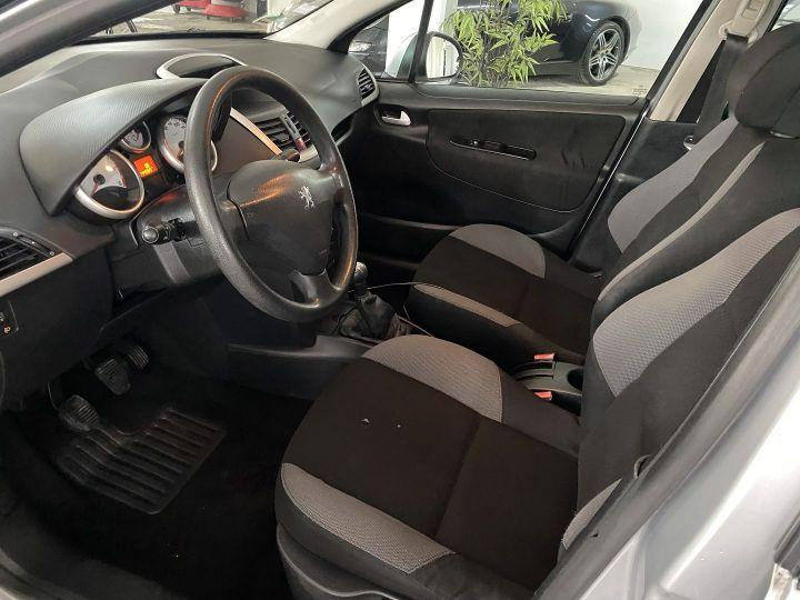 Peugeot 207 1.4 HDI70 TRENDY 5P Gris C - 7