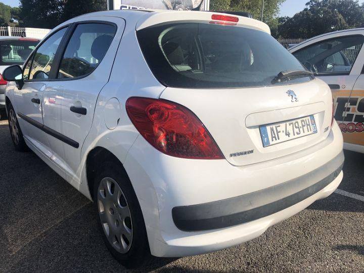 Peugeot 207 1.4 HDI70 URBAN 5P BLANC - 3