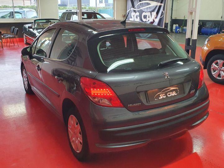 Peugeot 207 1l4 16v 75 Ch  - 3