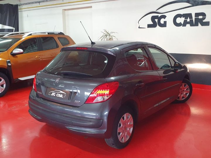Peugeot 207 1l4 16v 75 Ch  - 7