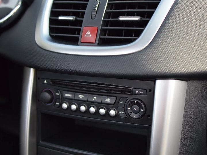 Peugeot 207 CC FACELIFT 1.6 16v 120ch Blanc - 9