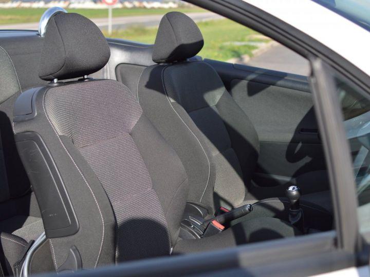 Peugeot 207 CC FACELIFT 1.6 16v 120ch Blanc - 14