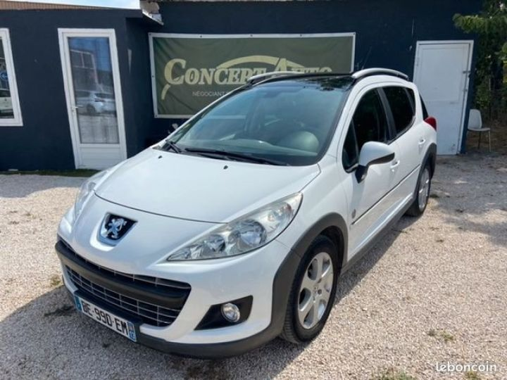 Peugeot 207 SW 1.6 hdi 110 cv outdoor Blanc Occasion - 1