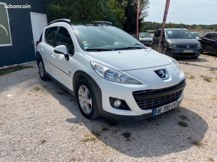 Peugeot 207 SW 1.6 hdi 110 cv outdoor Blanc Occasion - 2