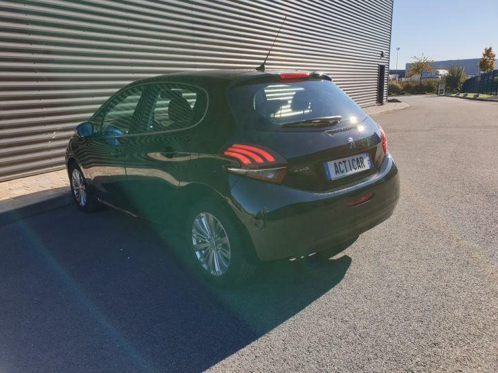 Peugeot 208 1.2 110 allure 5 pts Noir Occasion - 18