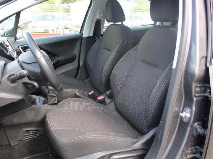 Peugeot 208 1.2 PURETECH 110CH S&S BVM5 Allure Gris - 9