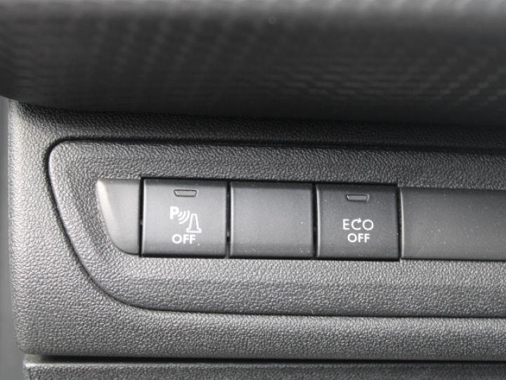 Peugeot 208 1.2 PURETECH 110CH S&S BVM5 Allure Gris - 14