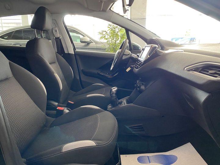 Peugeot 208 1.2 PURETECH 82CH STYLE 5P Noir - 6