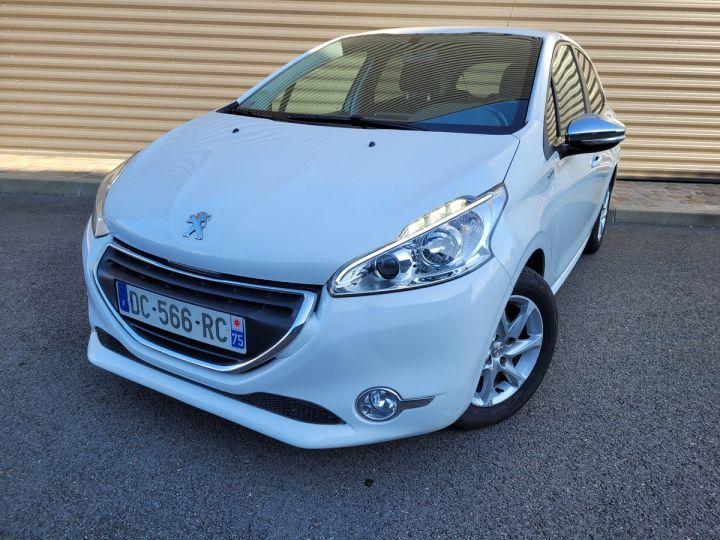 Peugeot 208 1.2 vti 82 envy 5p Blanc Occasion - 1