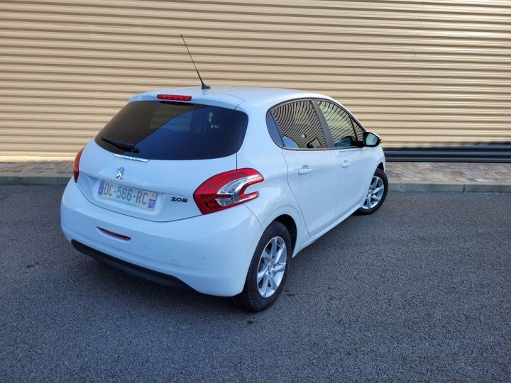 Peugeot 208 1.2 vti 82 envy 5p Blanc Occasion - 5