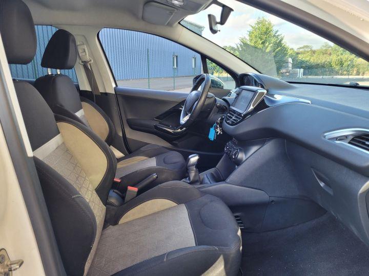 Peugeot 208 1.2 vti 82 envy 5p Blanc Occasion - 8
