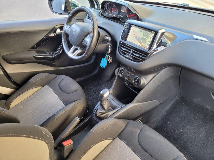 Peugeot 208 1.2 vti 82 envy 5p Blanc Occasion - 9