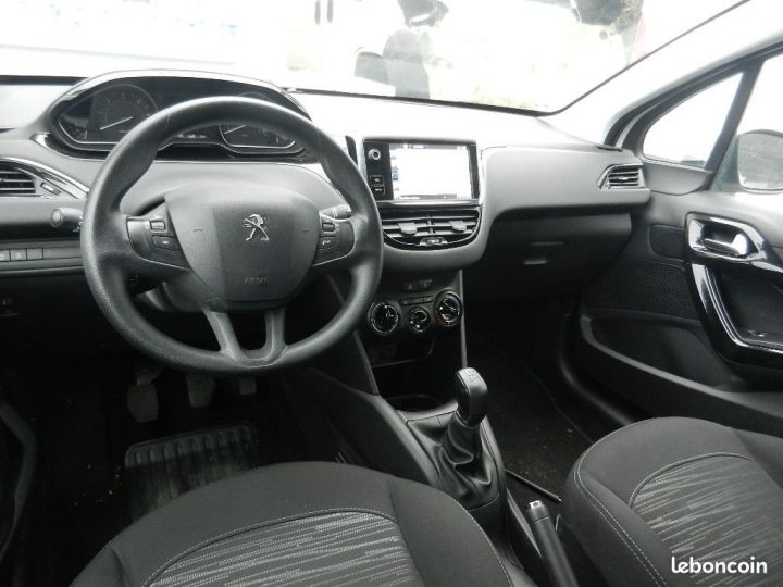 Peugeot 208 1,6L BlueHDi 100 PACK CLIM NAV.BVM5  - 1