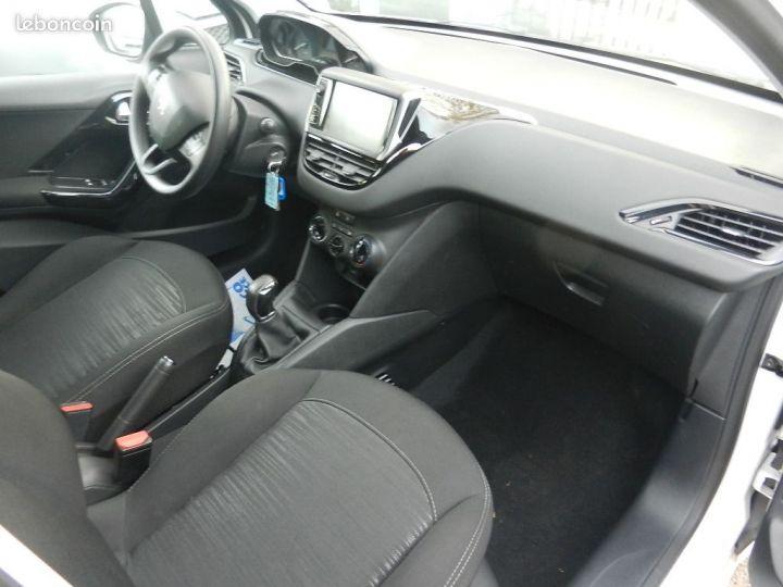 Peugeot 208 affaire 5P Pack Clim NAV 1,6L BlueHDi 75 Blanc - 5