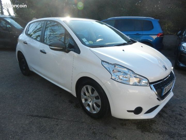 Peugeot 208 affaire pack cd clim 1.4 hdi 70cv bvm5 e  - 4