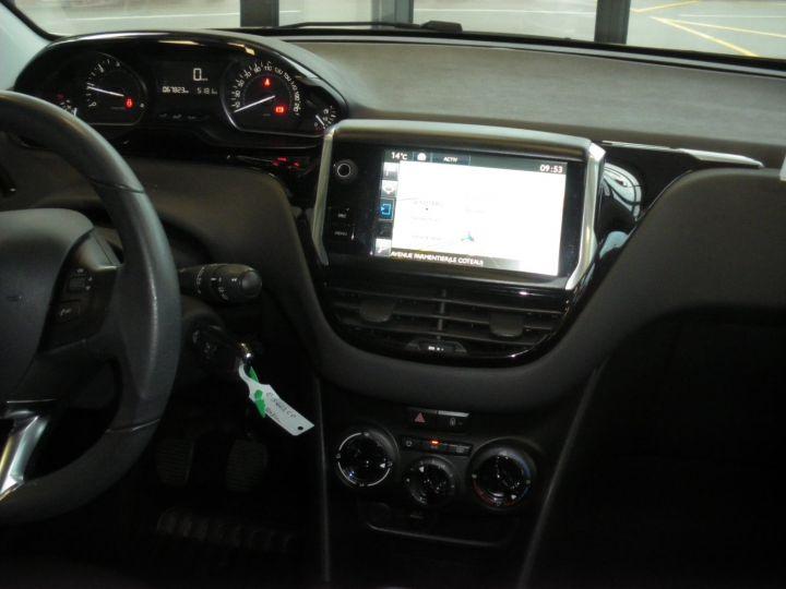 Peugeot 208 HDI 100 CV blanc - 9
