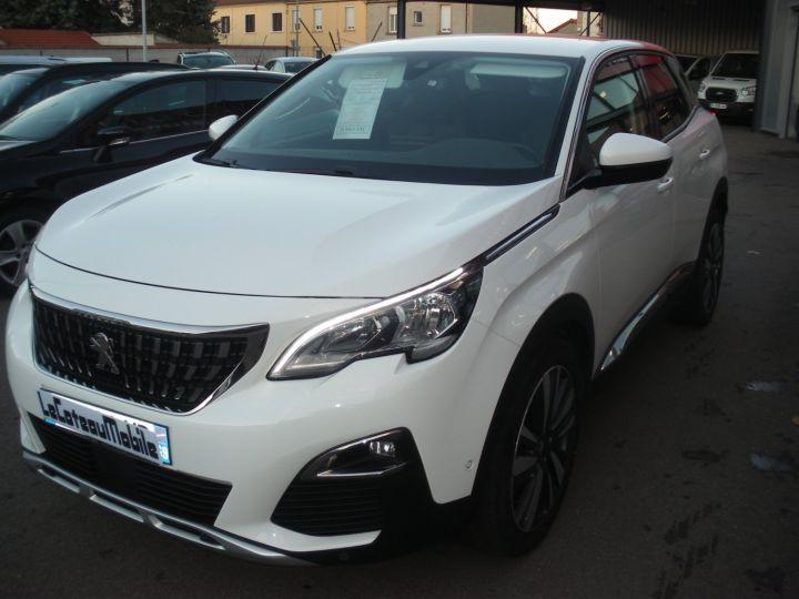 Peugeot 3008 120 CV ALLURE blanc - 1