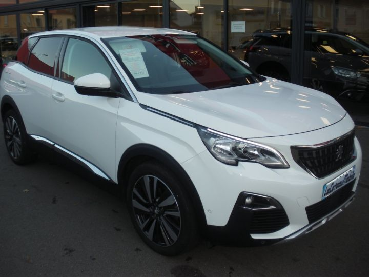 Peugeot 3008 120 CV ALLURE blanc - 2
