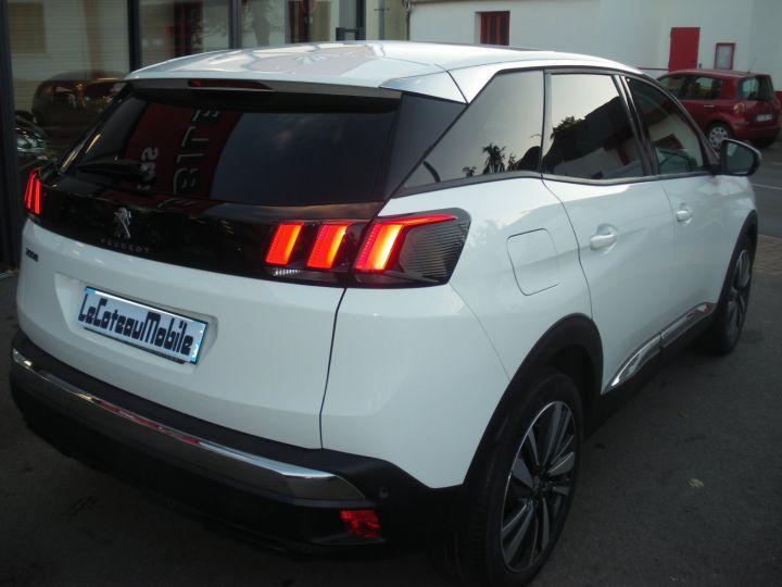 Peugeot 3008 120 CV ALLURE blanc - 5