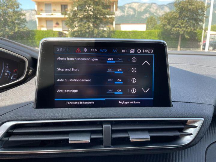 Peugeot 3008 BLUEHDI 130CH S&S BVM6 Allure Business Gris - 21