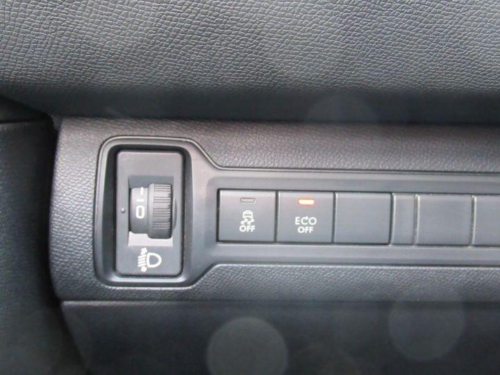 Peugeot 308 1.6 BLUEHDI 100CH S&S PACK CLIM NAV Blanc - 17